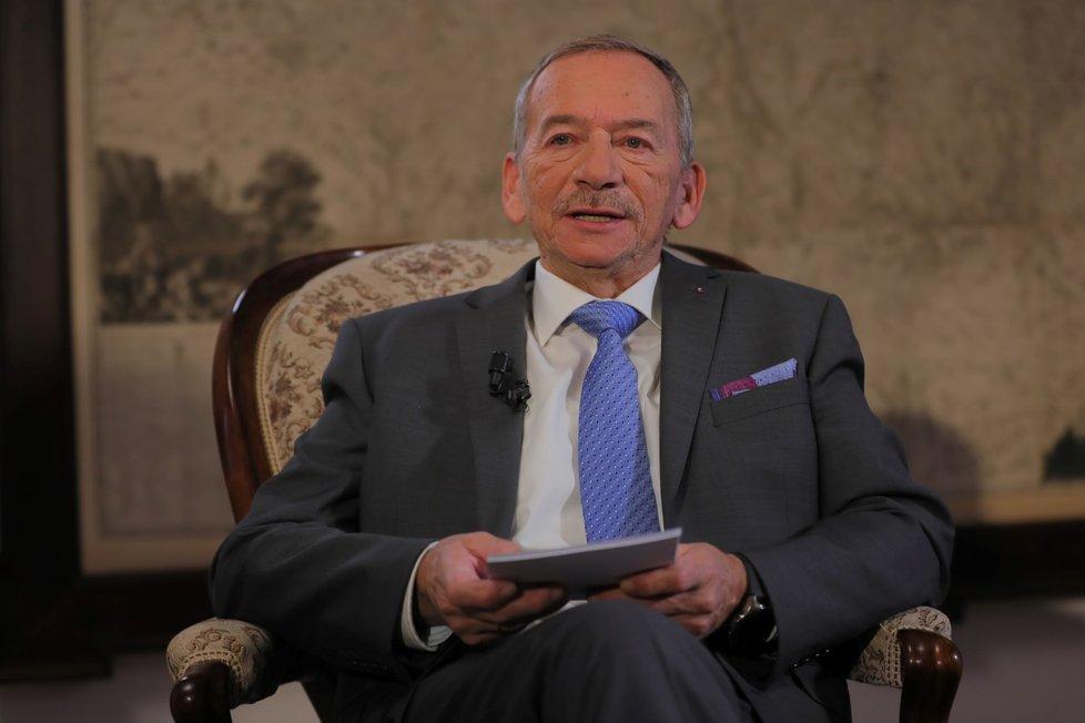 Zemřel Jaroslav Kubera, předsedovi Senátu bylo 72 let.