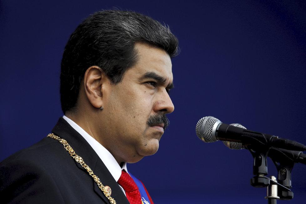 Trump se podle CNN chystá uznat venezuelského opozičního vůdce Guaidóa za prezidenta země místo Madura, který minulý týden do funkce nastoupil.