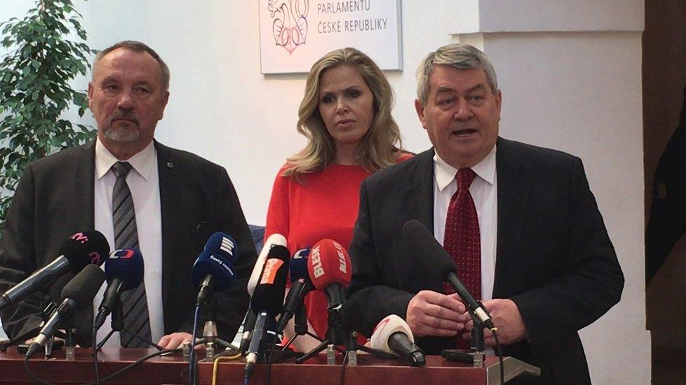 Komunisté Filip, Aulická Jírovcová a Kováčik na tiskovce ve Sněmovně (23. 1. 2019)