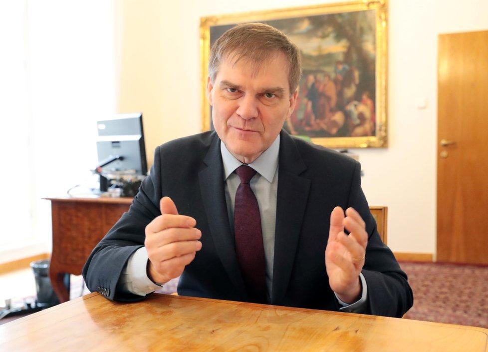 Šéf zahraničního odboru Hradu Rudolf Jindrák při rozhovoru pro Blesk.