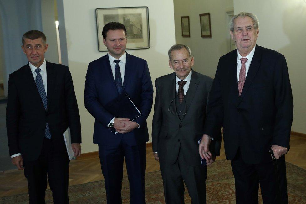 """""""Mohli bychom si říkat velká čtyřka,"""" přivítal prezident Miloš Zeman předsedu Senátu, Poslanecké sněmovny a premiéra na společné koordinační schůzce na Pražském hradě. (30. 1. 2019)"""