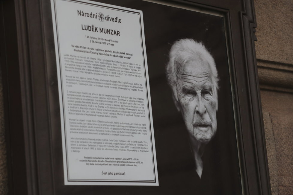 Pohřeb Luďka Munzara v Národním divadle.
