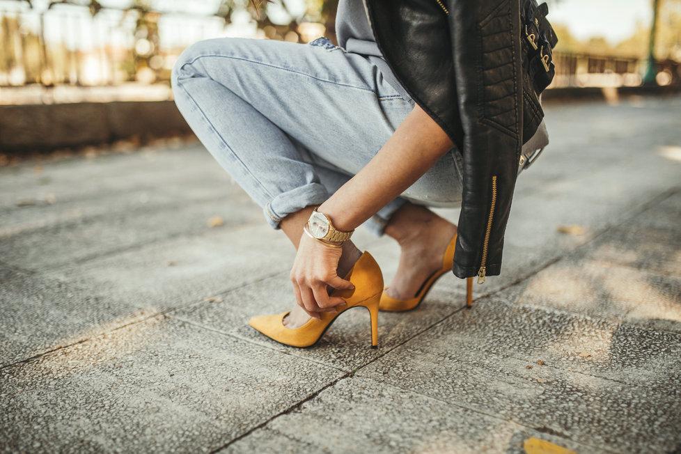 56498bc12a6c První jarní boty v obchodech! Tyhle barvy a vzory vám nesmějí chybět ...