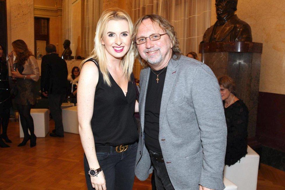 Dalibor Janda s dcerou na večírku TV Nova