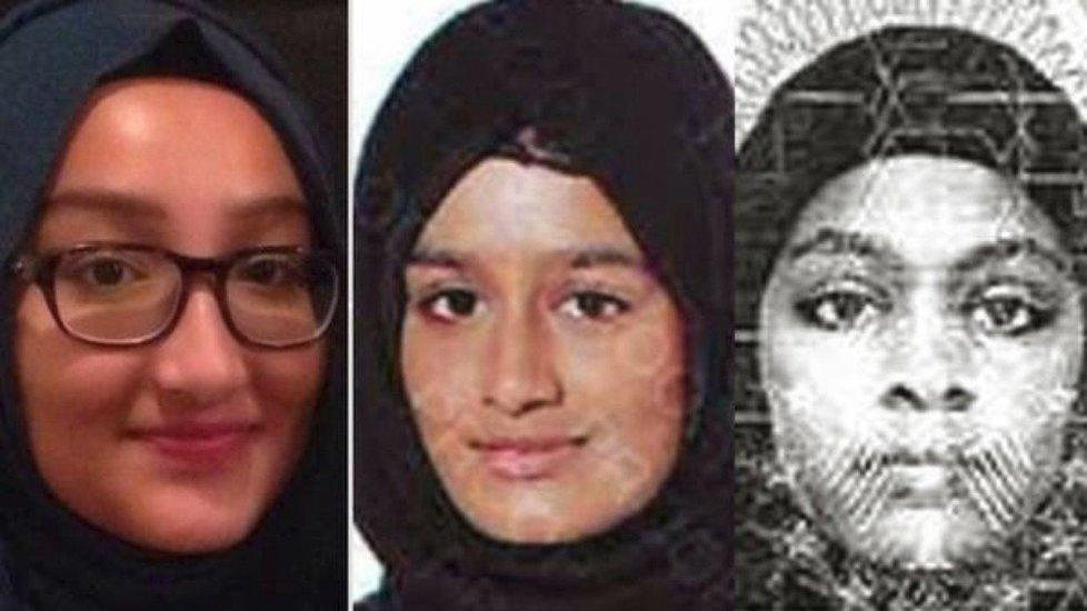 Šamima Begumová (uprostřed), která se dvěma kamarádkami v roce 2015 utekla do Sýrie, se chce vrátit domů do Velké Británie. Na snímku s Kadizou Sultanovou (vlevo) a Amirou Abaseovou (vpravo).
