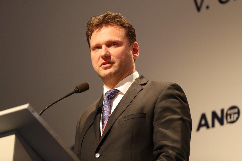 Nový člen vedení hnutí ANO - předseda Poslanecké sněmovny Radek Vondráček při svém kandidátském projevu (17. 2. 2019)