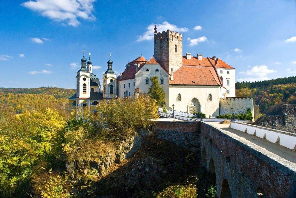 Zámek ve Vranově nad Dyjí je cenným dokladem barokního umění.