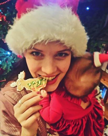 Kristýna Leichtová se svou dcerkou Dorotkou.