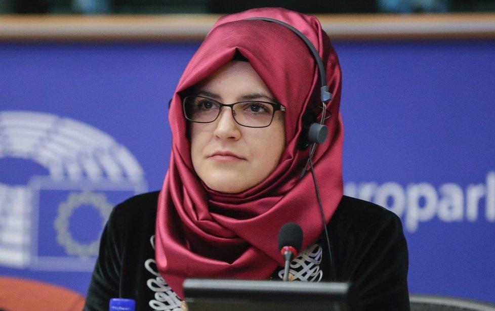 Hatice Cengizová, snoubenka zavražděného novináře Džamála Chášukdžího