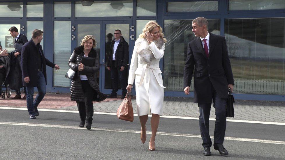 Andrej Babiš vyrazil do USA i s manželkou Monikou (5.3.2019)