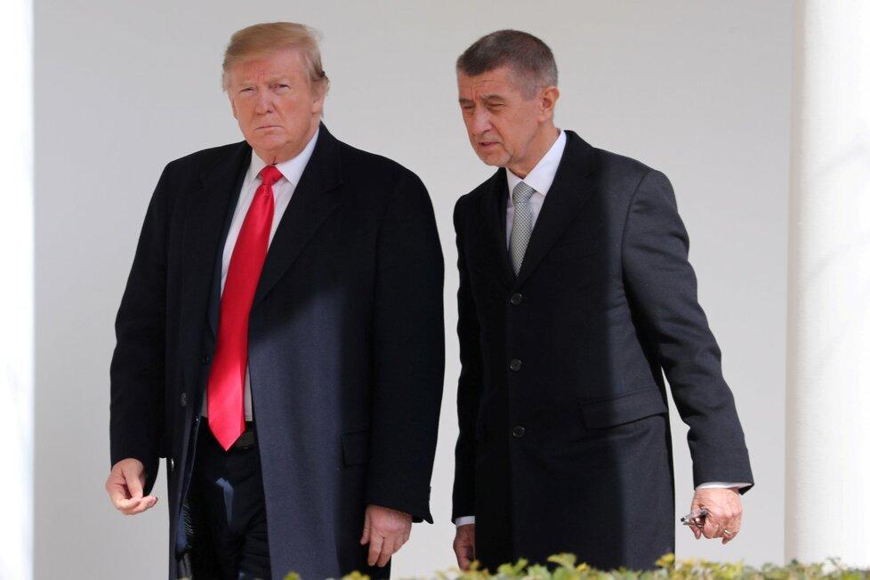Donald Trump a Andrej Babiš před Bílým domem (7. 3. 2019)