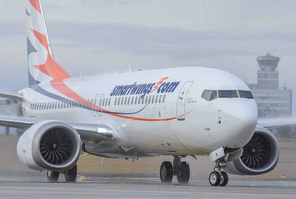 Boeing 737 MAX 8 v barvách Smartwings