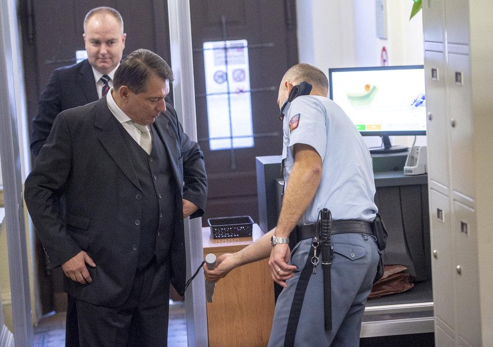 Jiří Paroubek a Petra Paroubková se dnes opět střetli u soudu kvůli výši výživného na dceru.
