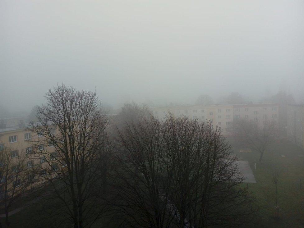 Obyvatele Ostravy potrápil během dopoledne smog. (23.3.2019)