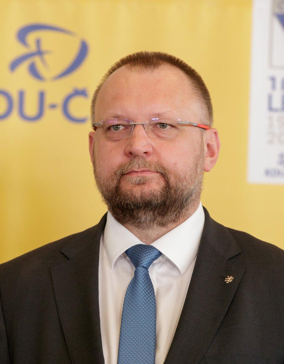 Jan Bartošek jako jediný obhajoval post místopředsedy strany a ve vedení lidovců zůstal dál.