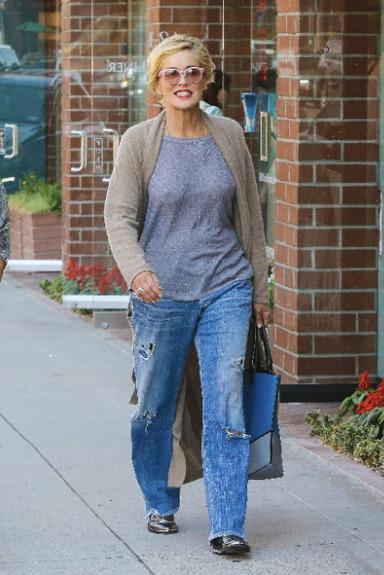 Sharon Stoneová (61)