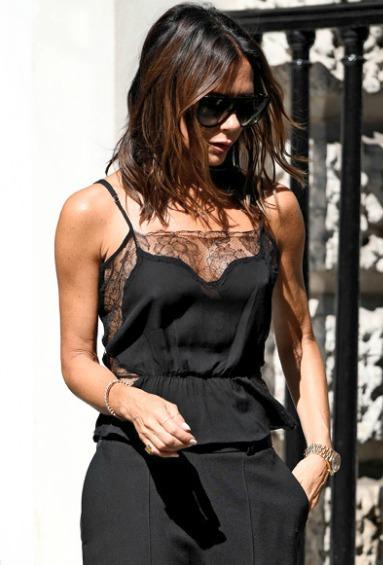 Victoria Beckhamová (45)