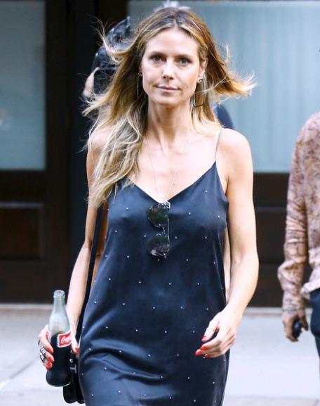 Heidi Klumová (45)