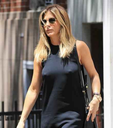 Jennifer Anistonová (50)