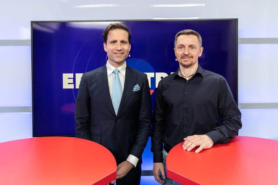 Ekonom Lukáš Kovanda byl hostem pořadu Epicentrum 2. 4. 2019. Vpravo moderátor Bohuslav Štěpánek.