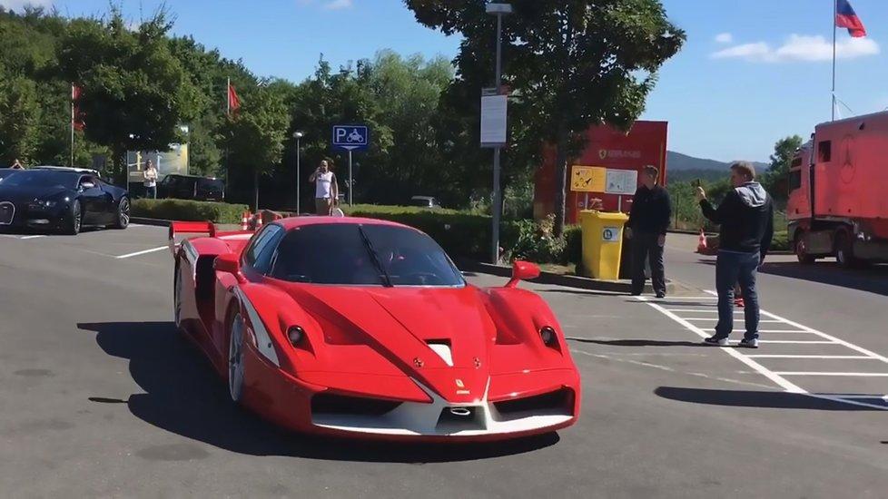 Oligarchův vůz Ferrari FXX