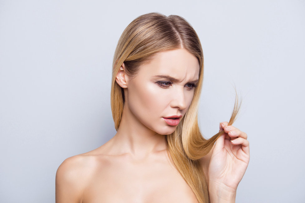 ebenové dlouhé vlasy extrémně staré ženy porno