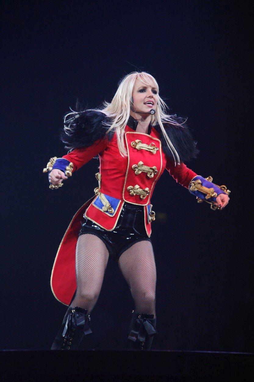 Britney Spearsová na turné s názvem Circus v roce 2009