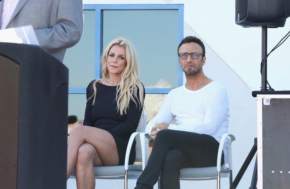 Britney se svým manažerem Larry Rudolphem