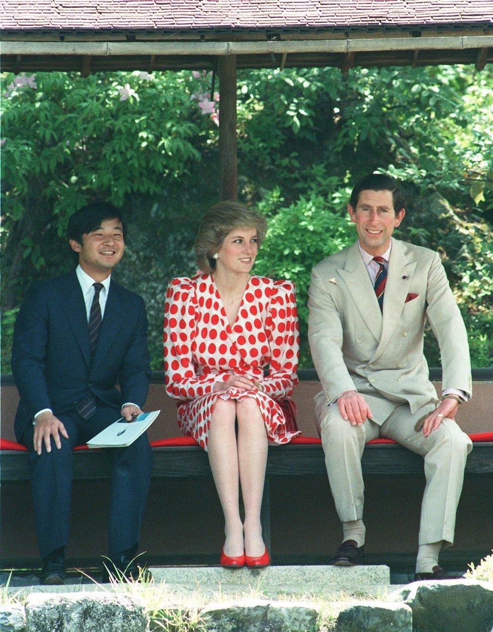 Nový císař Japonska Naruhito má vystudovaný Oxford. V Británii se svého času potkal i s princem Charlesem a lady Dianou