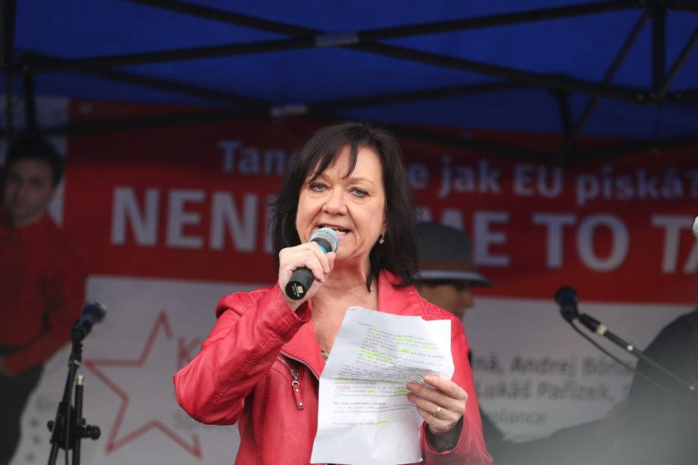 Marta Semelová na prvomájové akci KSČM (1.5.2019)