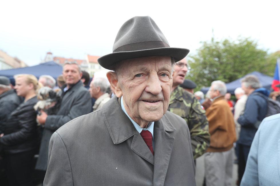Milouš Jakeš na prvomájové akci KSČM (1. 5. 2019)