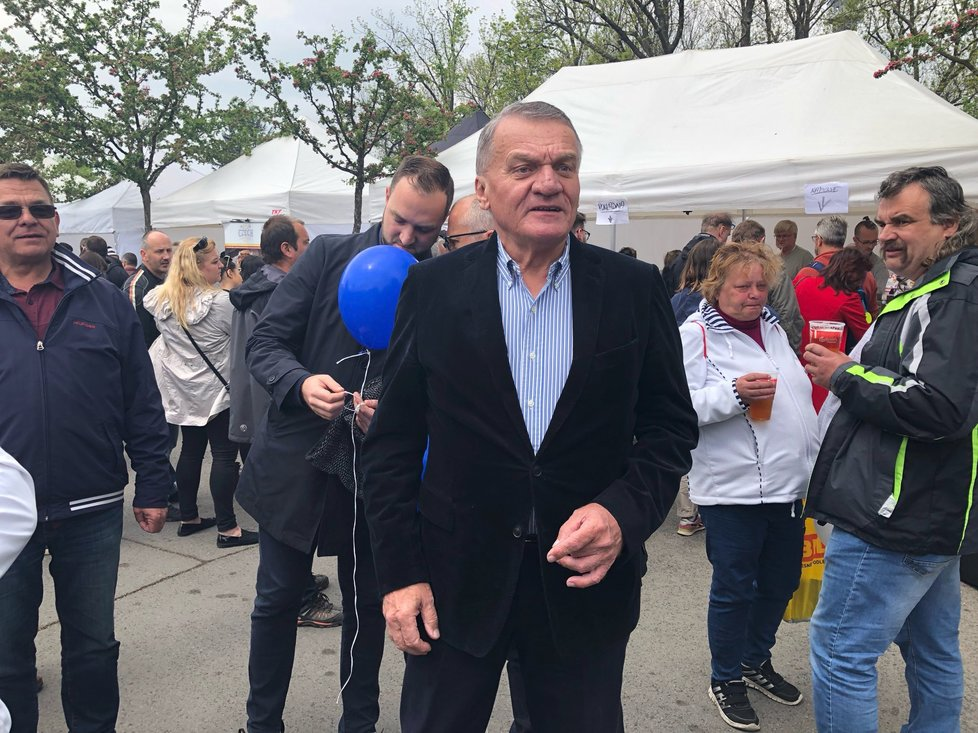 ODS vyrazila oslavit 1. máj na Petřín: Exprimátor Bohuslav Svoboda (1.5.2019)