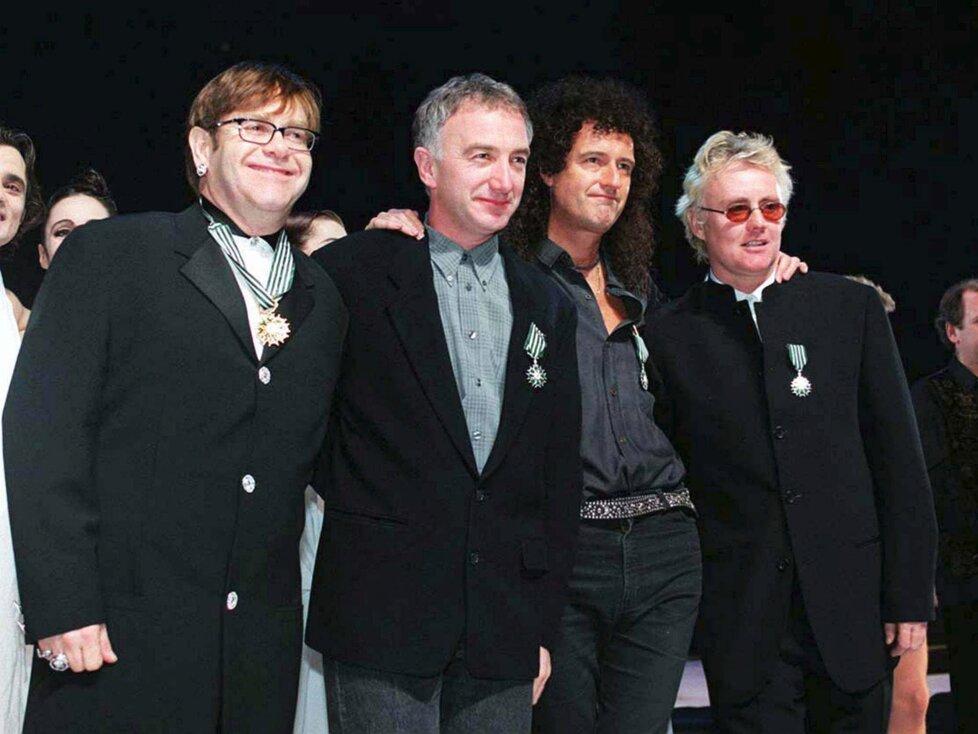 V února 1992 zazpíval Elton John společně se zbylými členy Queen dvě písně na akci Tribute to Freddie Mercury. Šlo o poslední koncert, na kterém se objevil basák John Deacon.