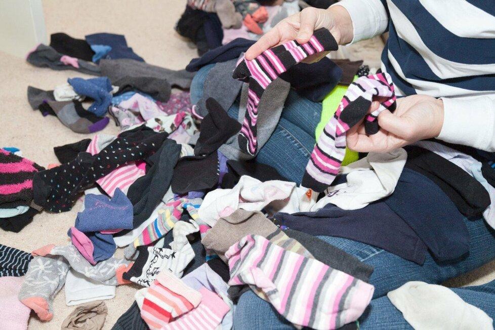 Dne 9. května se slaví Mezinárodní den lichých ponožek.