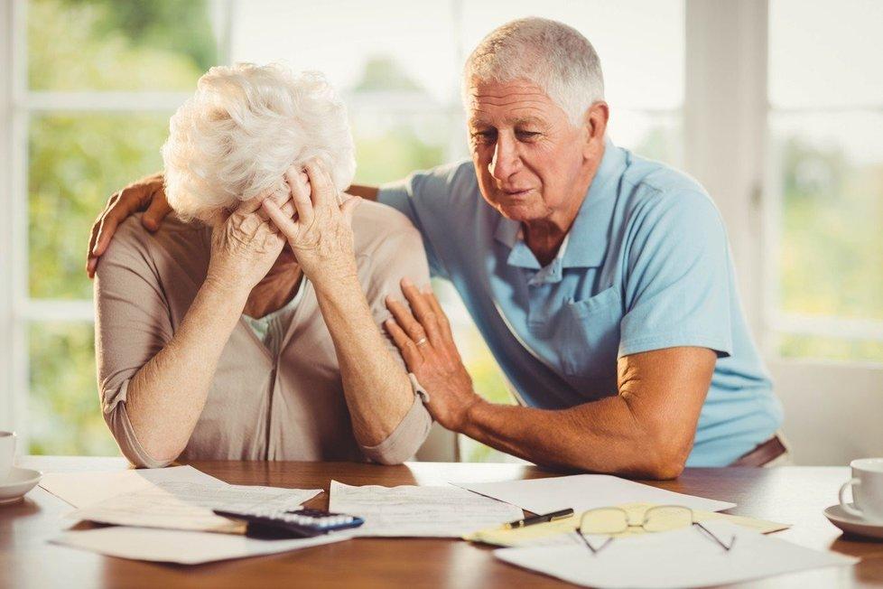 Exekuci na krku má i přes 90 tisíc důchodců: oddlužení by mohlo pomoci právě i jim.(ilustrační foto)