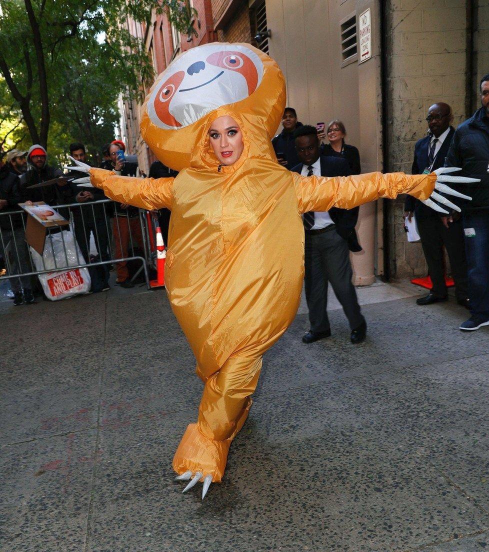 Katy Perryová coby lenochod při natáčení Kelly and Ryan show