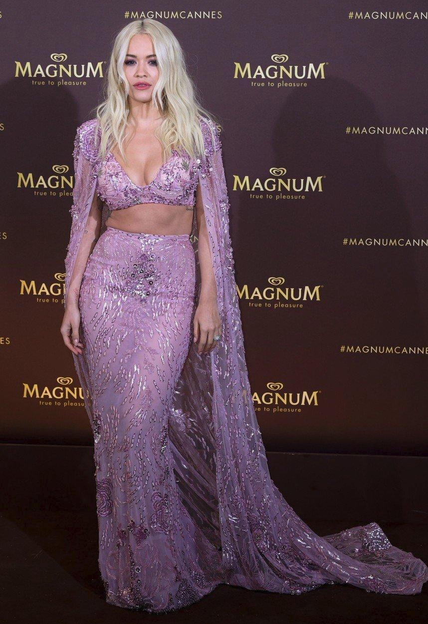Rita Ora v Cannes (2019)