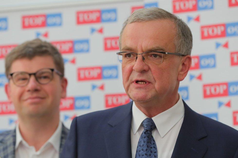 Miroslav Kalousek a Jiří Pospíšil ve Sněmovně.
