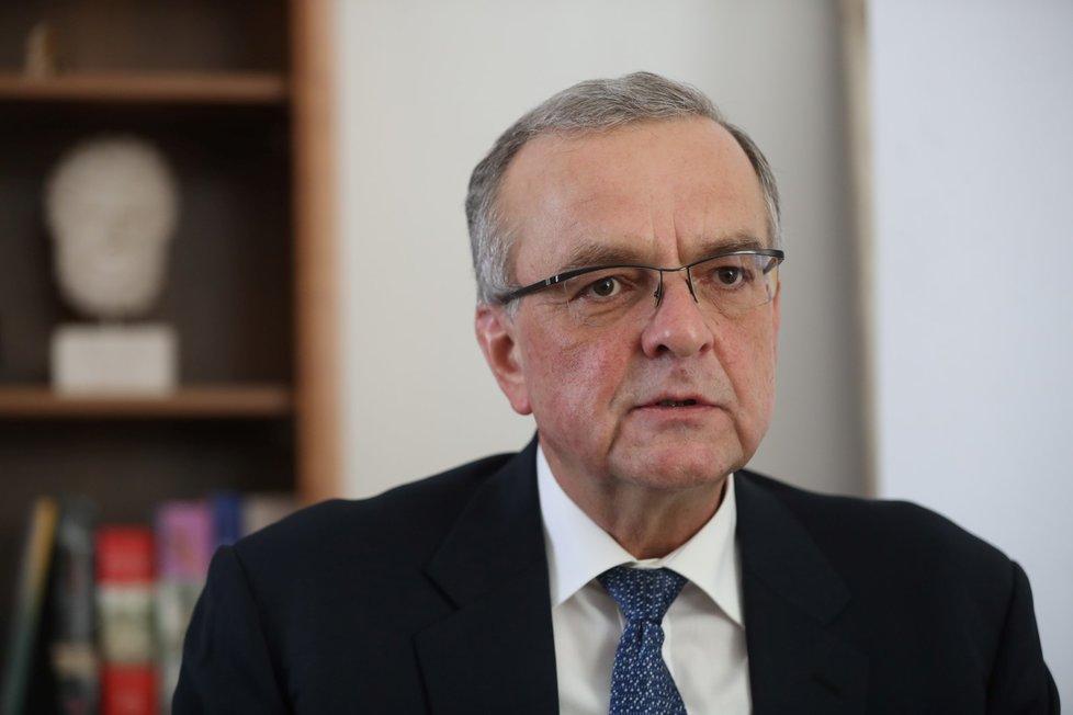 Šéf poslanců TOP 09 Miroslav Kalousek se do Zemana opřel