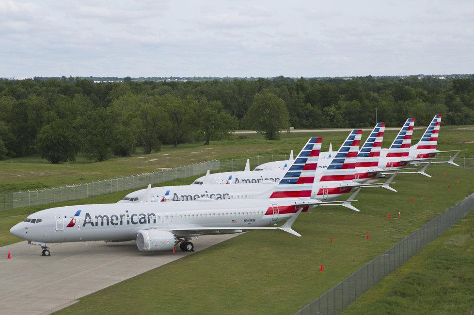 Boeingy 737 MAX 8 společnosti American Airlines nevzlétnou ani v září.