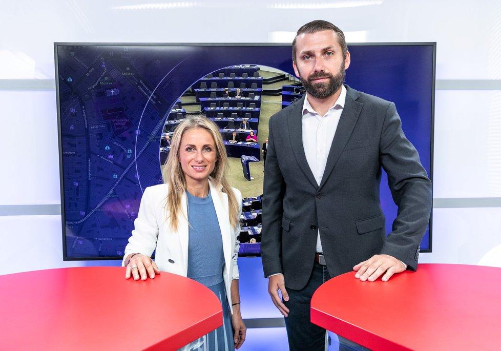 Nově zvolená místopředsedkyně Evropského parlamentu Dita Charanzová byla hostem pořadu Epicentrum vysílaného 9.7.2019. Vpravo moderátor Jaroslav Šimáček.