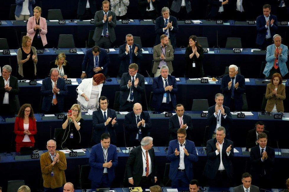 Ve Štrasburku europoslanci v tajné volbě rozhodují, zda německá politička von der Leyenová má jejich podporu k nástupu do čela Evropské komise(16. 7. 2019)