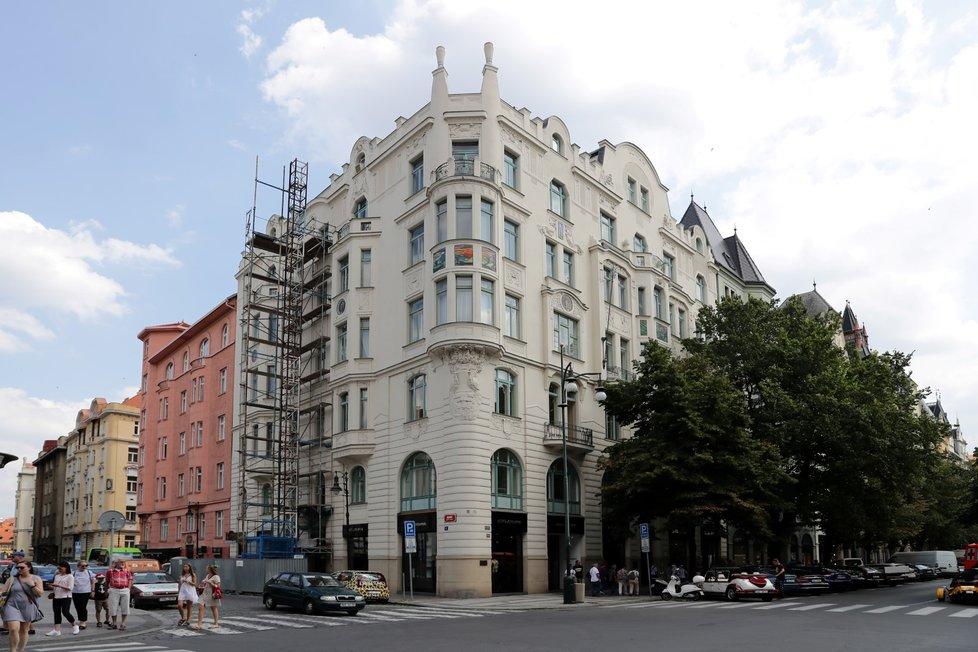 Pražský magistrát kvůli koronaviru nebude nájemcům prostor patřících městu účtovat úroky z prodlení platby nájemného.