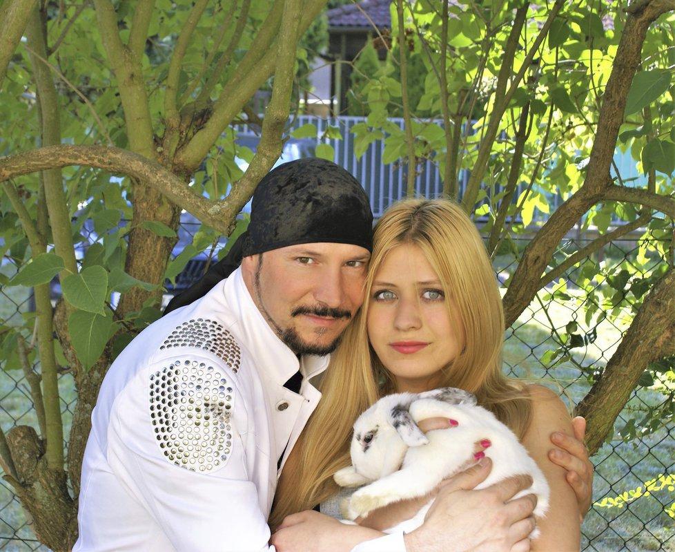 Bohuš Matuš koupil své Lucince myšku a králíčky