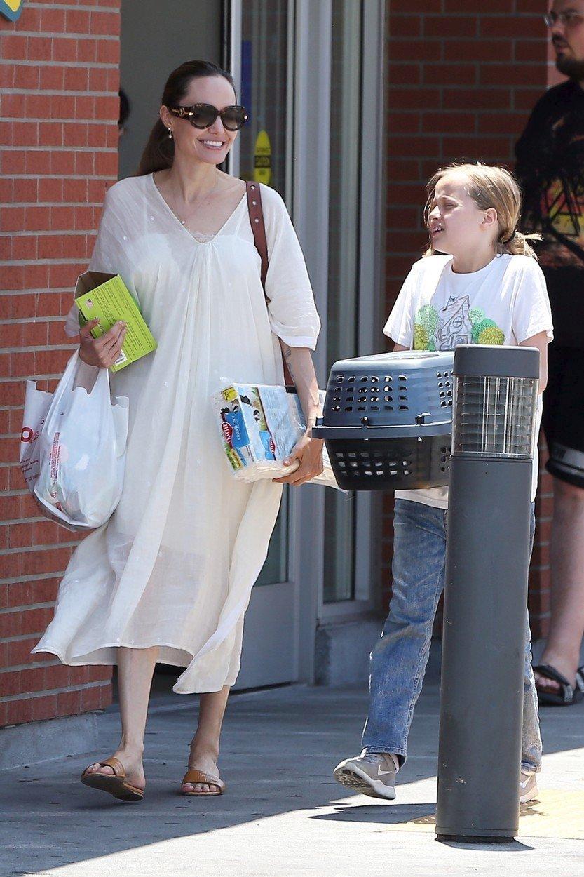 Dcera Angeliny Jolie si pořídila králíčka