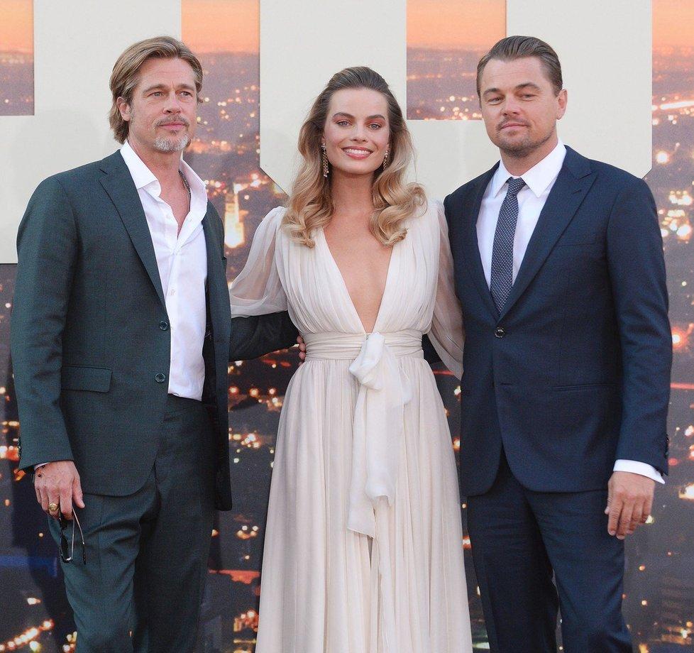 Brad Pitt, Margot Robbie a Leonardo Di Caprio si společně zahrají ve filmu Tenkrát v Hollywoodu