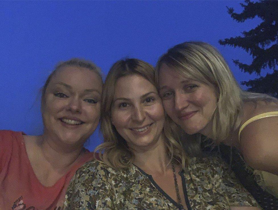 Ivana Gottová s Dominikou a Lucií.