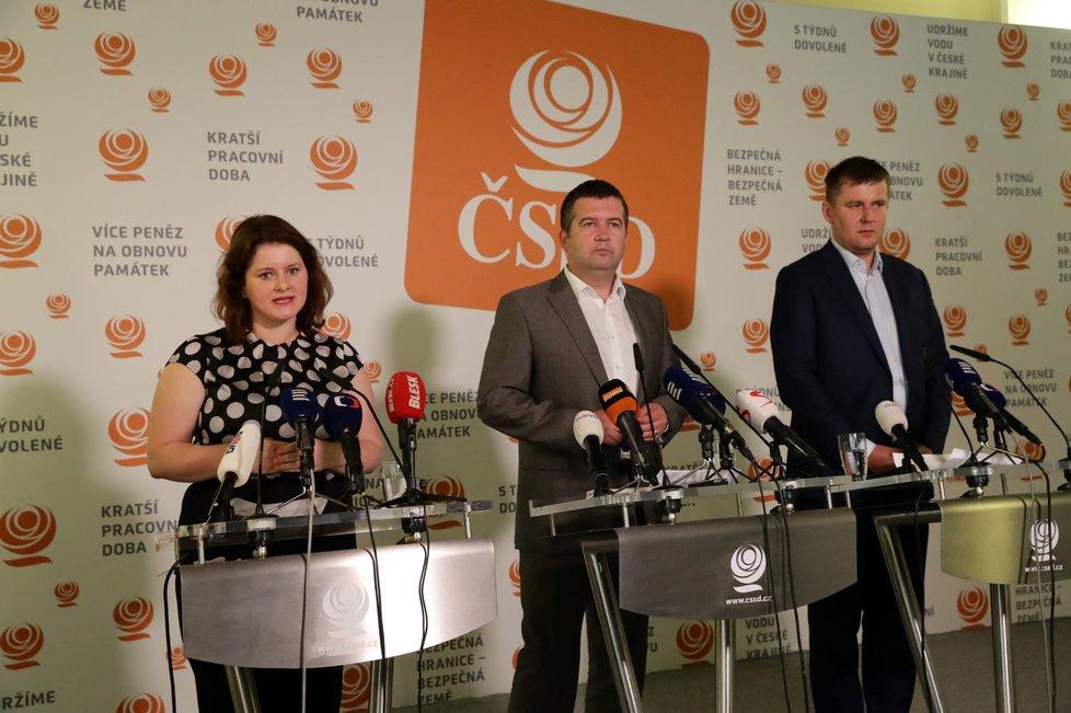 Ministři za ČSSD, chybí jen ministr zemědělství Miroslav Toman.