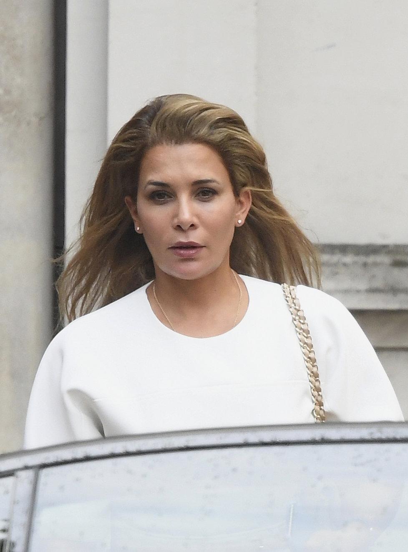 Princezna Hajá u londýnského soudu.