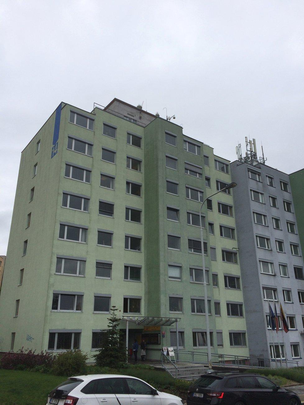 Radnice Prahy 14 v ulici Bratří Venclíků.